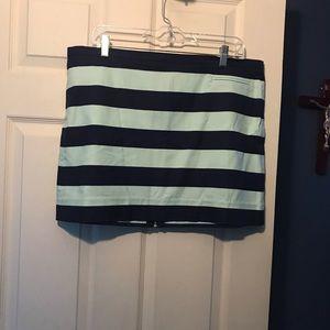 Gap lightweight skirt size 14
